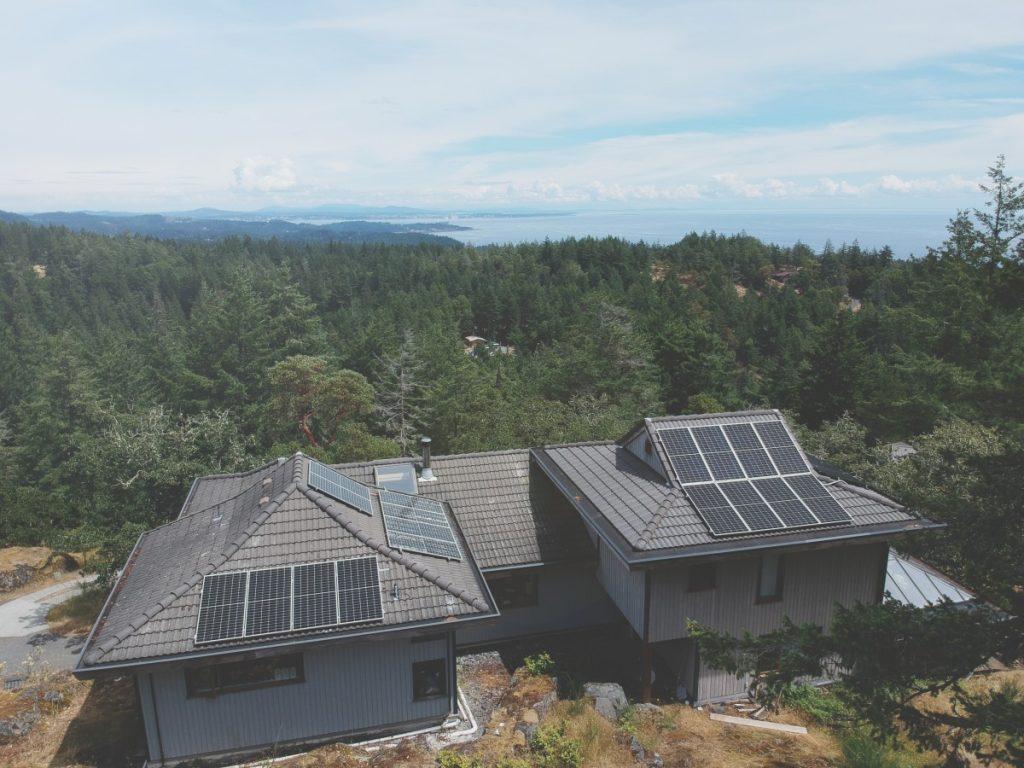 rooftop solar panel installation Victoria BC