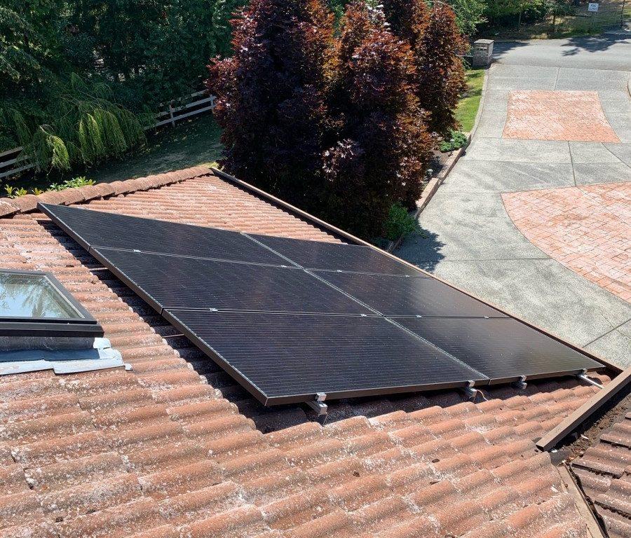 rooftop solar panel installation in Lantzville BC